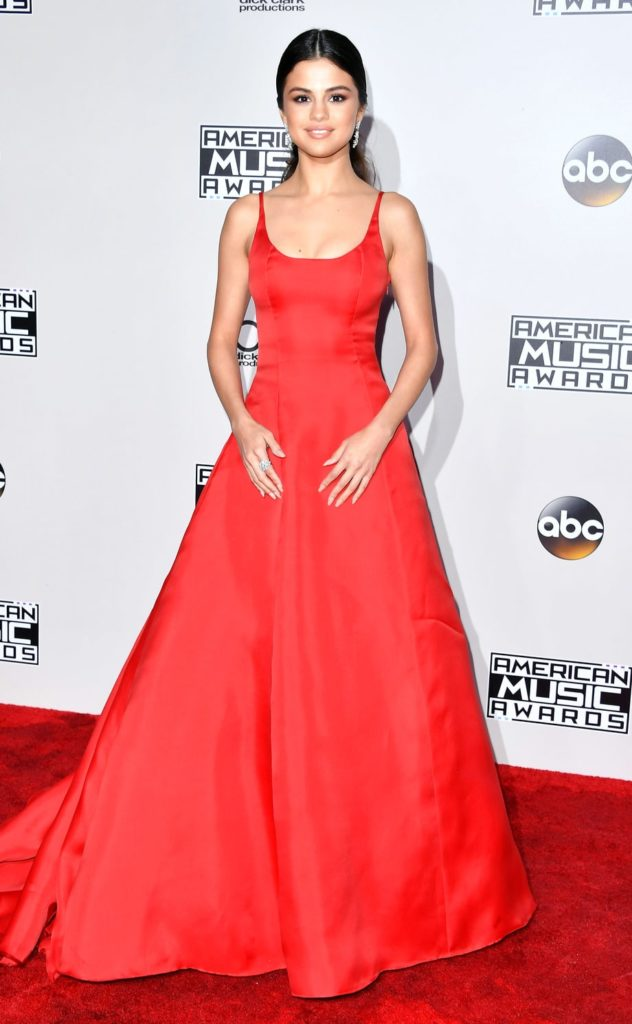 id couture styling selena gomez american music awards 2016 ama amas